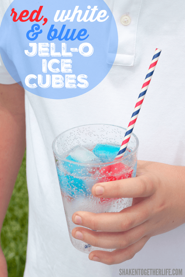 Make Fireworks at Your Patriotic Party with these 12 Red, White & Blue Drink Recipes for Memorial Day, the Fourth of July or any occasion!
