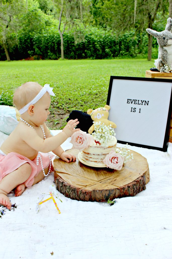 Woodland Themed Smash Cake Baby Photos for First Birthday