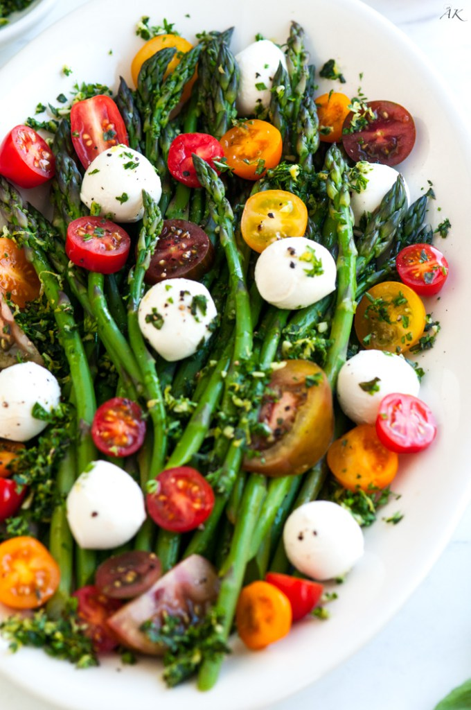 A dozen different caprese recipes- the perfect mouthwatering salad for summer!