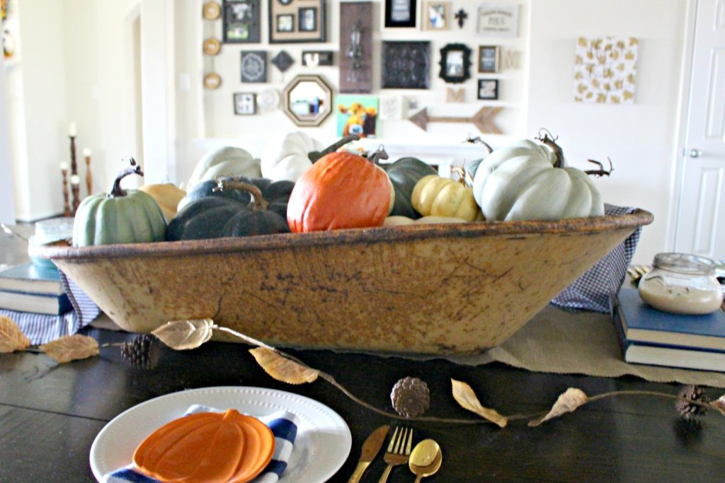 Pumpkin Themed Fall Tablescape Ideas for a Farmhouse Style Fall Celebration!