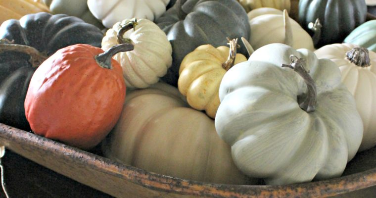 Fall Tablescape 1- Pumpkins, Pumpkins Everywhere!