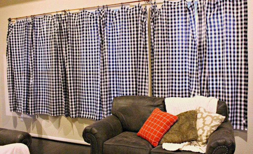 How to DIY Industrial Style Curtains from Copper Pipe! #DIY #HomeDecor #Curtains