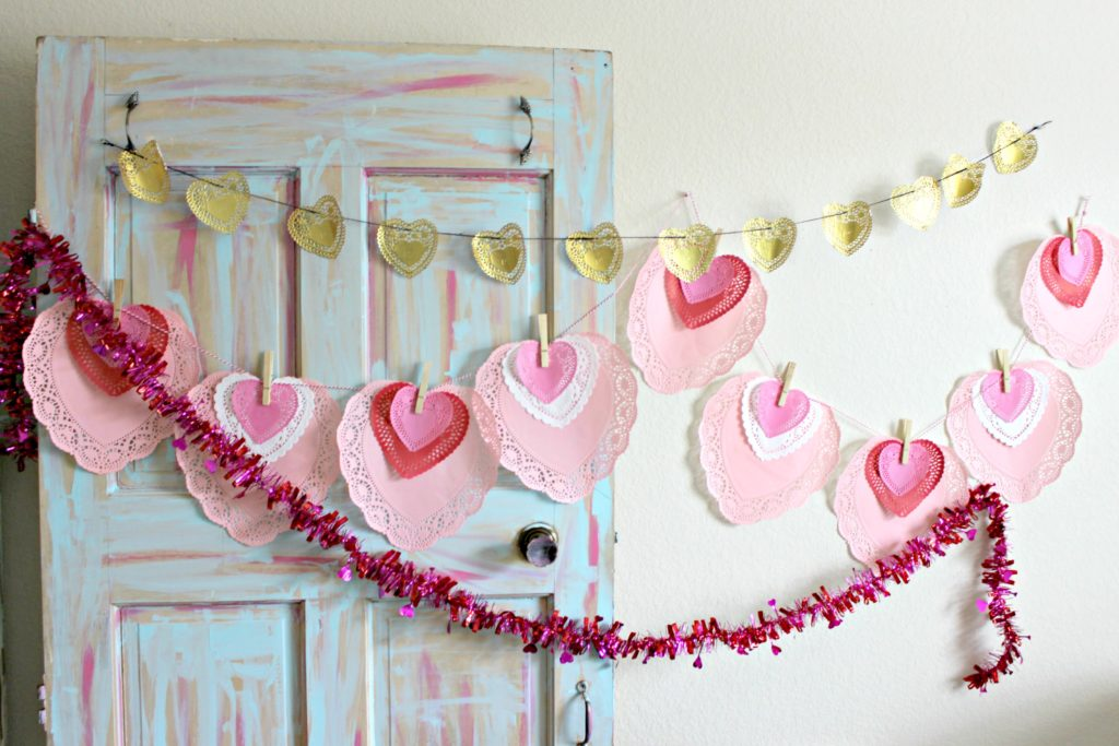DIY Valentine's Day Decor! This Quick Doily Garland is so Cheap to Make! #ValentinesDay #Garland