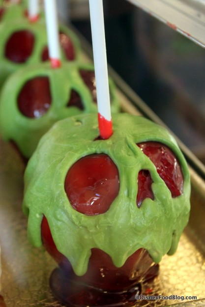 Caramel Apples to Make for Halloween